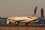 多楽さんが、成田国際空港で撮影したユナイテッド航空 777-222/ERの航空フォト(写真)