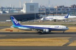 Mochi7D2さんが、羽田空港で撮影した全日空 777-281の航空フォト(写真)