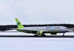 バーダーさんさんが、新千歳空港で撮影したジンエアー 777-2B5/ERの航空フォト(写真)