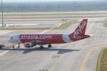 職業旅人さんが、クアラルンプール国際空港で撮影したエアアジア A320-216の航空フォト(写真)