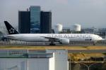 Bluewingさんが、羽田空港で撮影した全日空 777-381/ERの航空フォト(写真)