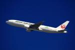JA946さんが、伊丹空港で撮影した日本航空 777-246/ERの航空フォト(写真)