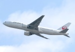 justice2002さんが、香港国際空港で撮影した日本航空 777-246/ERの航空フォト(写真)