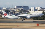 ☆A♡K STAR ALLIANCE☆さんが、伊丹空港で撮影した日本航空 777-246/ERの航空フォト(写真)