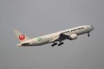 latchさんが、伊丹空港で撮影した日本航空 777-246/ERの航空フォト(写真)