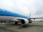 O.TAKUMAさんが、アムステルダム・スキポール国際空港で撮影したKLMシティホッパー ERJ-190-100(ERJ-190STD)の航空フォト(写真)