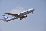 ワイエスさんが、鹿児島空港で撮影した全日空 767-381の航空フォト(写真)