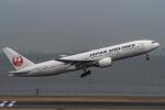 Simeonさんが、羽田空港で撮影した日本航空 777-246の航空フォト(写真)