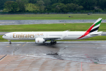 Tomo-Papaさんが、シンガポール・チャンギ国際空港で撮影したエミレーツ航空 777-31H/ERの航空フォト(写真)
