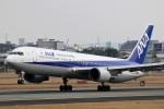 ドラパチさんが、伊丹空港で撮影した全日空 767-381の航空フォト(写真)