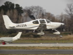 ヒリュウさんが、ホンダエアポートで撮影した個人所有 SR20の航空フォト(写真)