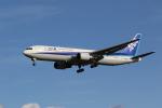 OS52さんが、成田国際空港で撮影した全日空 767-381/ERの航空フォト(写真)
