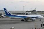 SFJ_capさんが、那覇空港で撮影した全日空 777-281の航空フォト(写真)