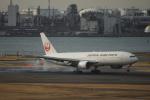 カミヤンさんが、羽田空港で撮影した日本航空 777-289の航空フォト(写真)