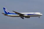 セブンさんが、成田国際空港で撮影した全日空 767-381/ERの航空フォト(写真)