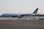 北の熊さんが、新千歳空港で撮影したキャセイパシフィック航空 777-367の航空フォト(写真)