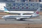 tabi0329さんが、福岡空港で撮影した日本航空 737-846の航空フォト(写真)