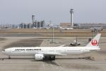 安芸あすかさんが、羽田空港で撮影した日本航空 777-346/ERの航空フォト(写真)