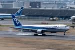 ぎんじろーさんが、羽田空港で撮影した全日空 767-381の航空フォト(写真)