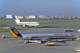 Gambardierさんが、羽田空港で撮影した東亜国内航空 MD-81 (DC-9-81)の航空フォト(写真)