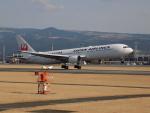 ゆう改めてさんが、熊本空港で撮影した日本航空 767-346の航空フォト(写真)