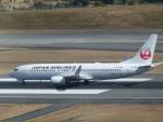 うすさんが、伊丹空港で撮影した日本航空 737-846の航空フォト(写真)