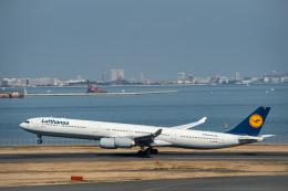 Takeshi90ssさんが、羽田空港で撮影したルフトハンザドイツ航空 A340-642の航空フォト(写真)