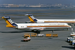 Gambardierさんが、羽田空港で撮影した日本エアシステム MD-81 (DC-9-81)の航空フォト(写真)