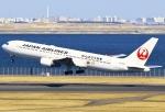 あしゅーさんが、羽田空港で撮影した日本航空 767-346の航空フォト(写真)