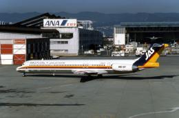 Gambardierさんが、伊丹空港で撮影した日本エアシステム MD-81 (DC-9-81)の航空フォト(写真)