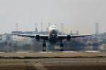 ばっきーさんが、福岡空港で撮影した日本航空 777-289の航空フォト(写真)