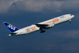 Mamoruuuuさんが、羽田空港で撮影した全日空 767-381/ERの航空フォト(写真)