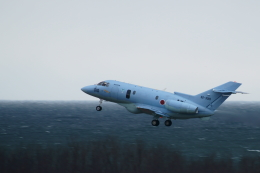 kij niigataさんが、新潟空港で撮影した航空自衛隊 U-125A(Hawker 800)の航空フォト(写真)