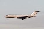 B747‐400さんが、成田国際空港で撮影したアメリカ企業所有 BD-700-1A10 Global Expressの航空フォト(写真)