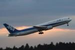 B747‐400さんが、成田国際空港で撮影した全日空 767-381/ERの航空フォト(写真)