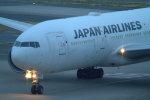 Mame @ TYOさんが、羽田空港で撮影した日本航空 777-246/ERの航空フォト(写真)