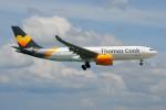 ぼんやりしまちゃんさんが、プーケット国際空港で撮影したトーマスクック・エアラインズ A330-243の航空フォト(写真)