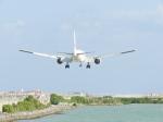 おっつんさんが、那覇空港で撮影した日本航空 777-246の航空フォト(写真)