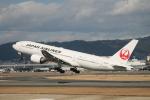 海苔さんが、伊丹空港で撮影した日本航空 777-289の航空フォト(写真)