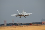 382kossyさんが、厚木飛行場で撮影したアメリカ海軍 F/A-18F Super Hornetの航空フォト(写真)