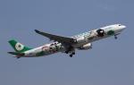 MOHICANさんが、福岡空港で撮影したエバー航空 A330-302Xの航空フォト(写真)