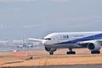 うめたろうさんが、伊丹空港で撮影した全日空 777-281の航空フォト(写真)