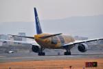 うめたろうさんが、伊丹空港で撮影した全日空 777-281/ERの航空フォト(写真)