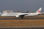 まんぼ しりうすさんが、伊丹空港で撮影した日本航空 777-346の航空フォト(写真)