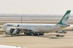delawakaさんが、上海浦東国際空港で撮影したマーハーン航空 A340-642の航空フォト(写真)
