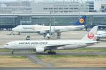 timeさんが、羽田空港で撮影した日本航空 777-246の航空フォト(写真)