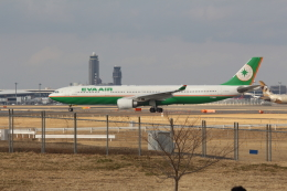 Koenig117さんが、成田国際空港で撮影したエバー航空 A330-302の航空フォト(写真)