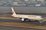 とりてつさんが、羽田空港で撮影した日本航空 777-346の航空フォト(写真)