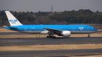 sakuraさんが、成田国際空港で撮影したKLMオランダ航空 777-206/ERの航空フォト(写真)