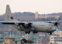 new_2106さんが、横田基地で撮影したアメリカ空軍 C-130J-30 Herculesの航空フォト(写真)